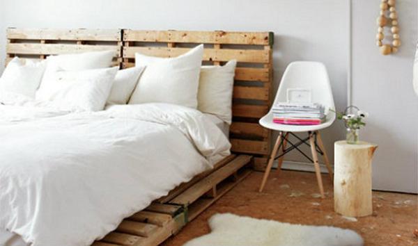 Outra ideia para cama, com cabiceira feita de Pallets