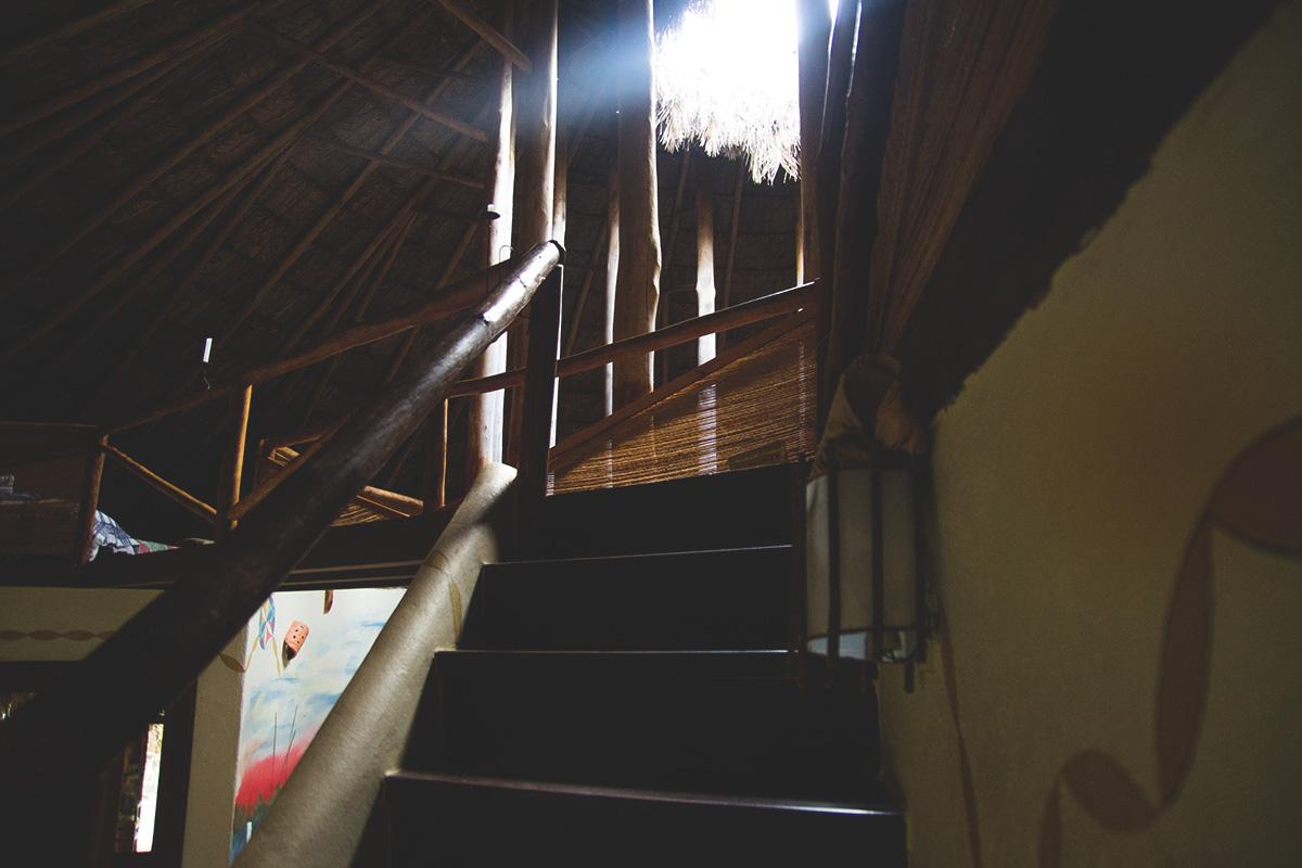 A escada que vai para o piso superior :)