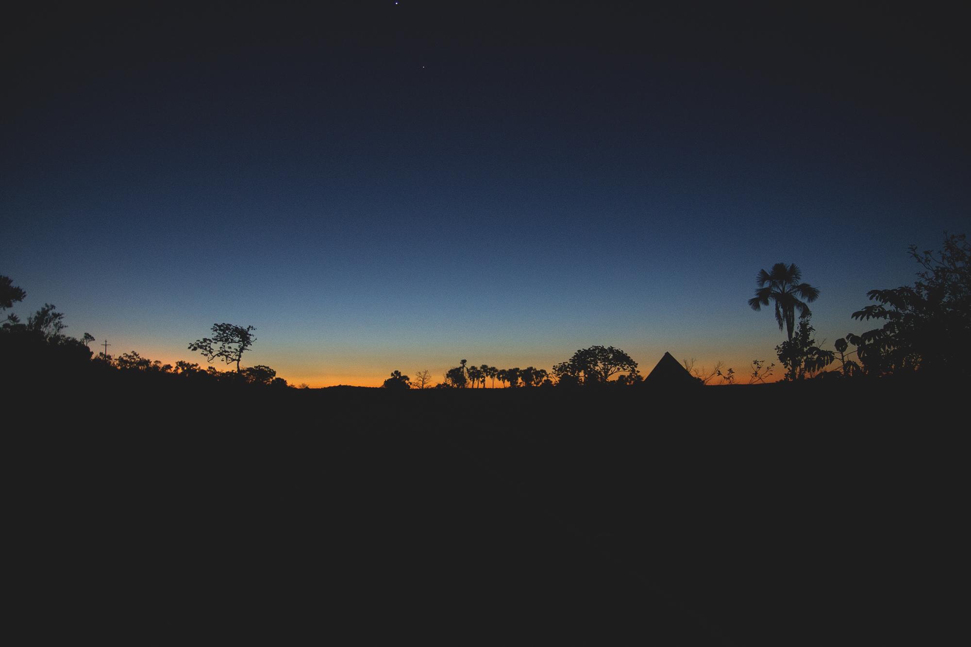E pra finalizar as fotos de paisagens, um pôr do sol, lindo, aquele anoitecer de dar inveja sabe. Azul como um mar e LINDO <3